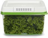 Rubbermaid FreshWorks 17.3-Cup Produce Saver